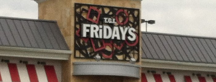TGI Fridays is one of Sarah 님이 좋아한 장소.