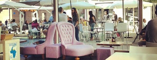 Leonardo Bar & Food is one of Suisse.