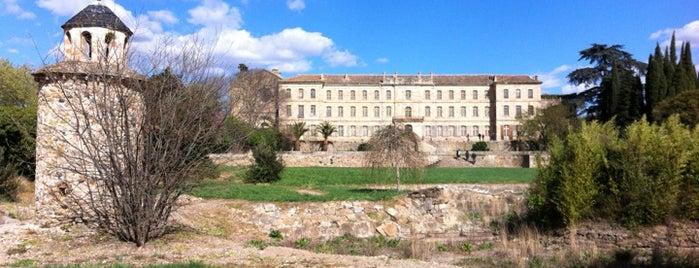 Chateau Abbaye De Cassan is one of สถานที่ที่บันทึกไว้ของ Jean-Marc.