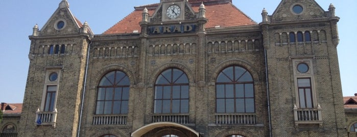 Gara Arad is one of Follow the Orient Express — Şark Ekspresi.