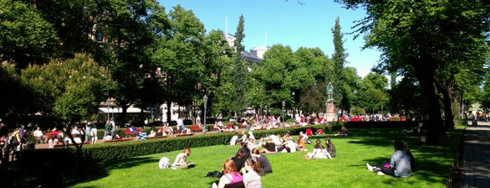 Esplanadin puisto is one of Helsinki.