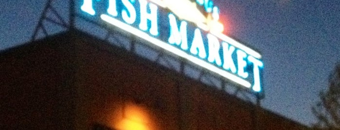 Columbus Fish Market is one of Posti che sono piaciuti a Melinda.