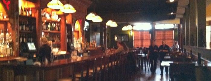 Manitou Station Pub & Event Center is one of Lieux sauvegardés par Jenny.