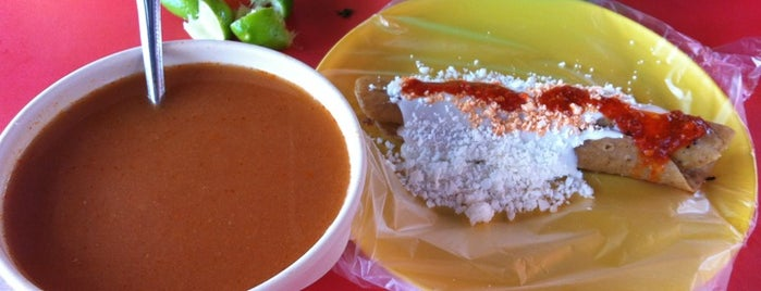 """Barbacoa """"El Güero"""" is one of Pa quitarse el hambre."""