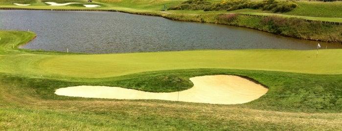 Golf National is one of Lugares favoritos de Malika.