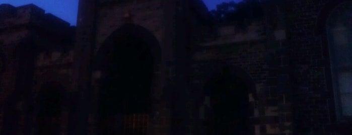 Tomb of Christopher Hughes, Jr. is one of Katie 님이 저장한 장소.