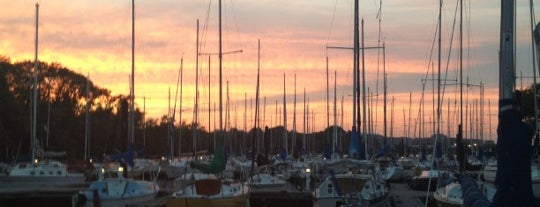 Washington Sailing Marina is one of Posti che sono piaciuti a ᴡ.