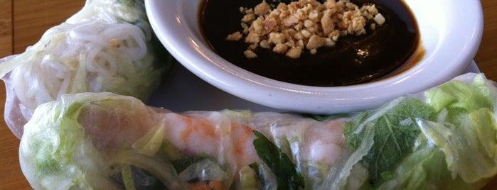 Mekong Vietnamese Restaurant is one of สถานที่ที่ E ถูกใจ.
