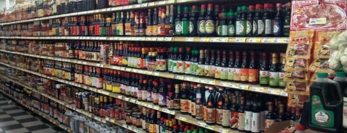 Sunrise Supermarket is one of Orte, die Michiyo gefallen.