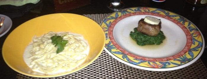 Robertos Italian Restaurant is one of Must-visit Food in Ogunquit.