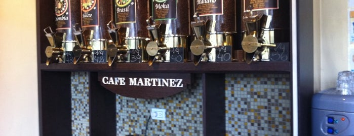 Café Martínez is one of Locais curtidos por Maru.