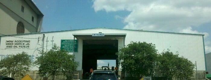 City of Houston Westpark Recycling Center is one of Tempat yang Disukai Andrew.