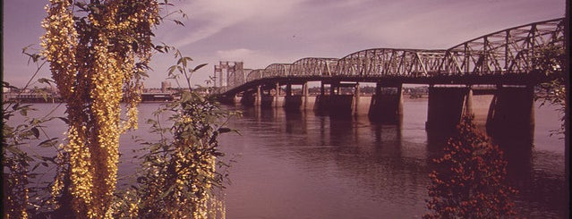 Interstate Bridge is one of Oregon - The Beaver State (1/2).