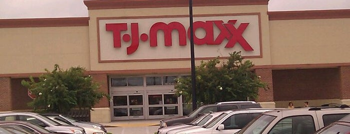T.J. Maxx is one of Brynnさんのお気に入りスポット.