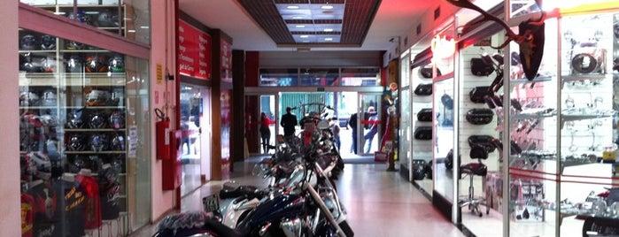Shopping Moto & Aventura is one of Tempat yang Disukai Sidney.