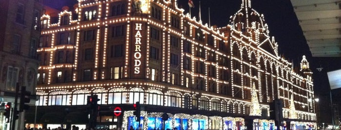 Harrods is one of Londres / London.