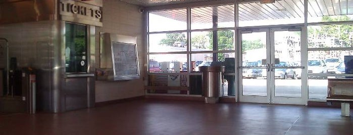 PATCO: Westmont Station is one of Joisee (New Jersey) / NYC Suburbs.