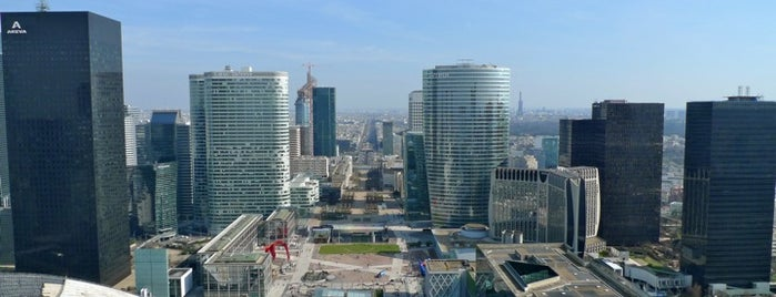 Toit de La Grande Arche de la Défense is one of Paris Places To Visit.