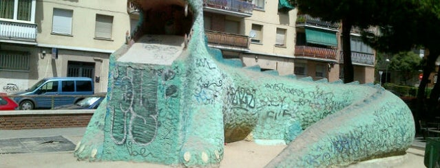 Dragón de La Elipa is one of Mundo madrileño.