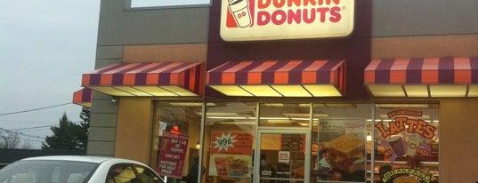 Dunkin' is one of Posti che sono piaciuti a Marcia.