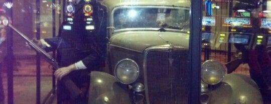 Bonnie & Clyde Death Car is one of Locais curtidos por Kerry.