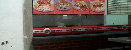 Las Famosas Tortas Ahogadas is one of Posti che sono piaciuti a Gaston.