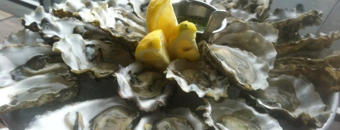 Hog Island Oyster Co. is one of San Francisco Eats.