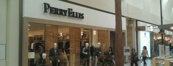 Perry Ellis - Los Cerritos Center is one of Posti che sono piaciuti a Perry Ellis.