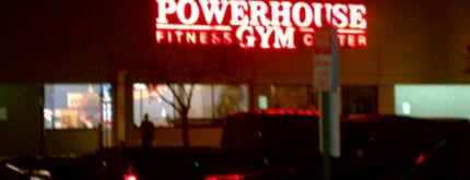 Bailey's Powerhouse Gym is one of Lugares favoritos de Todd.