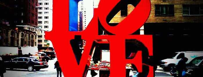 Escultura LOVE por Robert Indiana is one of New York City.