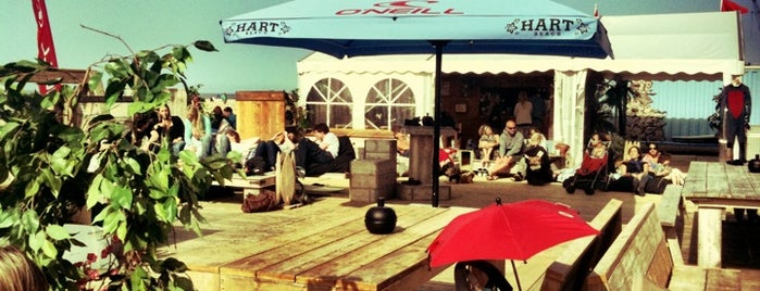 Hart Beach is one of Den Haag.