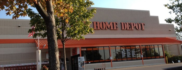The Home Depot is one of สถานที่ที่ Eddie ถูกใจ.