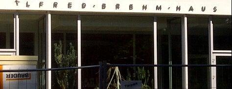 Alfred-Brehm-Haus is one of สถานที่ที่ Robert ถูกใจ.