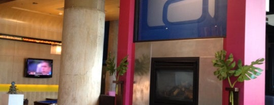 Aloft Dallas Downtown is one of Locais curtidos por Tammy.