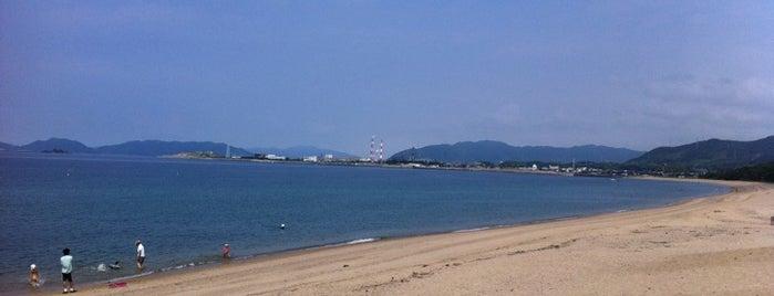 室積海水浴場 is one of 日本の渚百選.