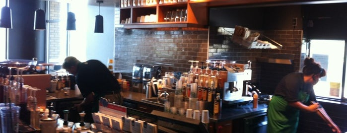 Starbucks is one of Jon : понравившиеся места.