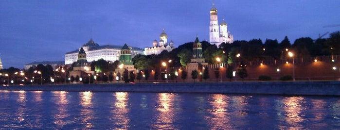 Софийская набережная is one of Набережные Москвы.