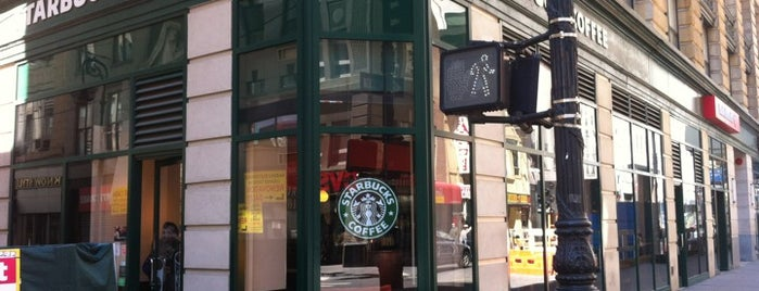 Starbucks is one of NYC: FiDi Luncher.
