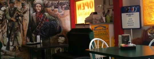 Josie's Restaurant is one of Lieux qui ont plu à Brady.
