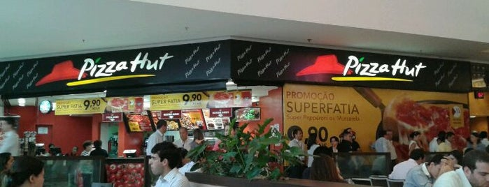 Pizza Hut is one of Por aí em Sampa.