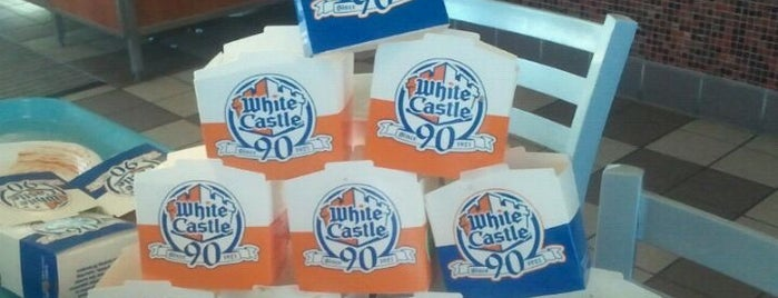 White Castle is one of Tempat yang Disukai Rob.