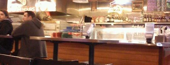 Enzo's East Coast Eatery is one of Dominic'in Kaydettiği Mekanlar.