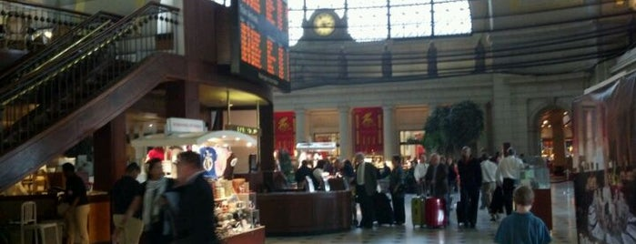 Union Station is one of A Not So Tourist Guide to DC.