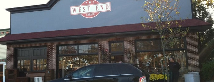 West End Garage is one of Lugares favoritos de Lynda.