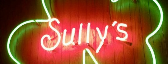 Sully's Irish Pub is one of Lugares favoritos de Maura.