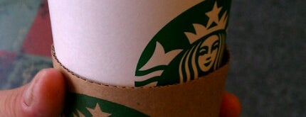 Starbucks is one of Lugares favoritos de Ronald Clayton.