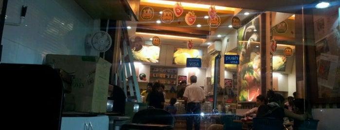 Natural's Ice Cream is one of Divya'nın Beğendiği Mekanlar.