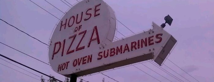House of Pizza is one of Lugares guardados de Alex.