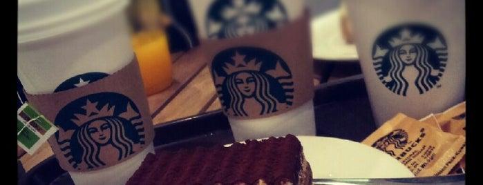 Starbucks is one of Alhatoon'un Beğendiği Mekanlar.