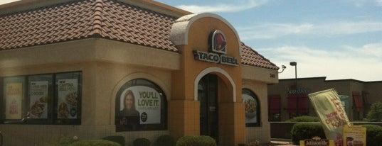 Taco Bell is one of Lieux sauvegardés par Rose.